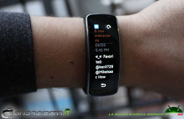 Samsung Gear Fit - recensione